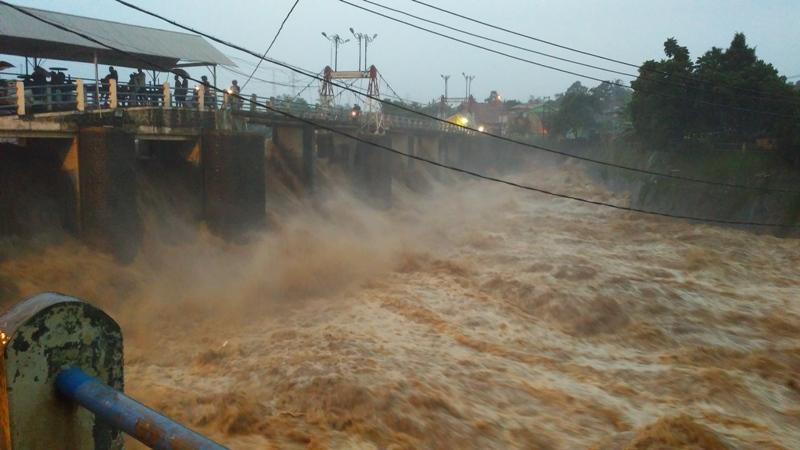 Katulampa Siaga I, Waspadai Banjir Di Sepanjang Bantaran Sungai Ciliwung